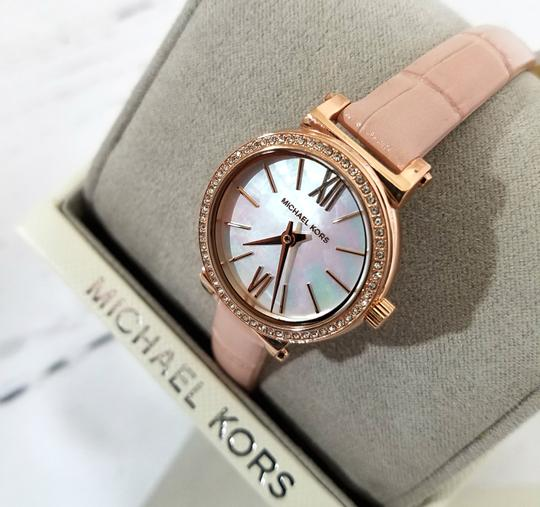 Michael Kors NEW NWT Women's Sofie Rose Gold-Tone and Blush Leather Watch MK2715 Image 4