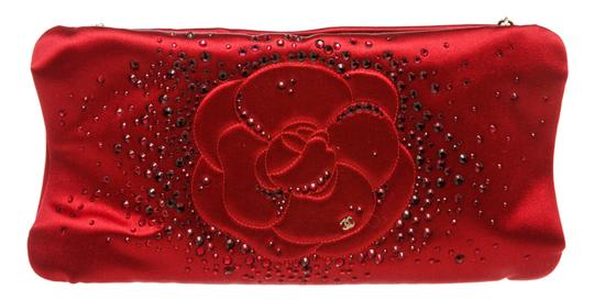 Preload https://img-static.tradesy.com/item/26183651/chanel-clutch-embellished-camellia-red-satin-shoulder-bag-0-0-540-540.jpg