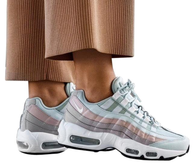 Item - Silver Women's Air Max 95 Light Flex Groove Outsole Allows For Natural Movement. Rubber Waffle Outsole Sneakers Size US 9.5 Narrow (Aa, N)