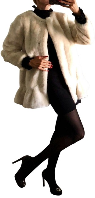 Item - Tan Faux-fur Mink In Champagne New York In Faux-fur M Coat Size 8 (M)