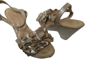 Crown by Børn Borncrown Leather Sandals champagne Wedges