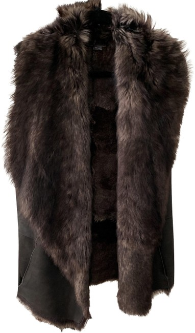 Preload https://img-static.tradesy.com/item/26193286/vince-brown-xs-toscana-shearling-lamb-fur-vest-size-2-xs-0-2-650-650.jpg