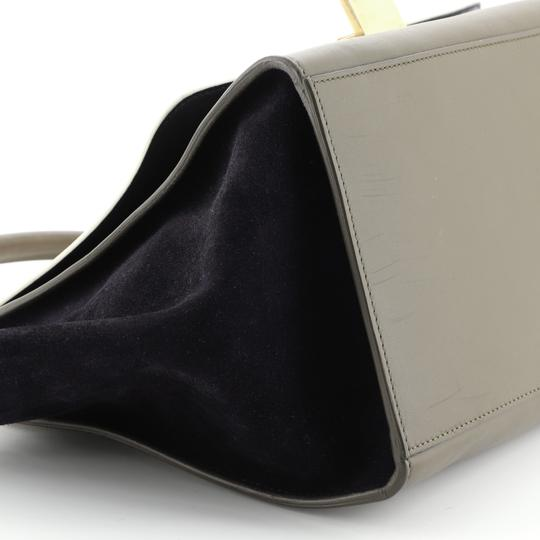 Céline Satchel in green, white and black l Image 7