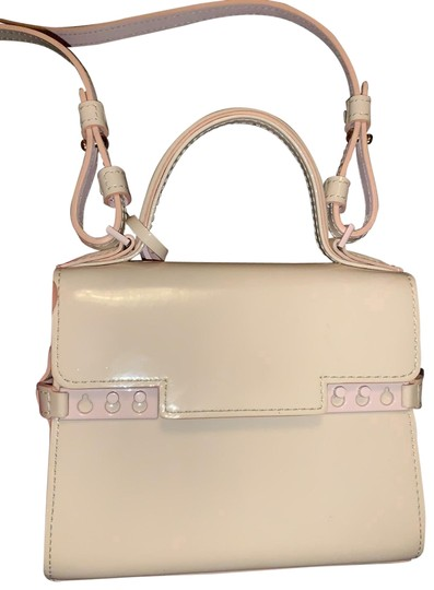 Preload https://img-static.tradesy.com/item/26196765/delvaux-micro-tempete-baby-pink-patent-leather-cross-body-bag-0-1-540-540.jpg