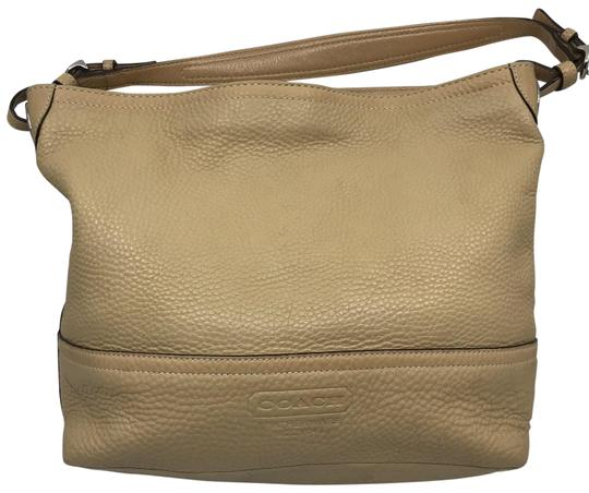 Preload https://img-static.tradesy.com/item/26196812/coach-tan-leather-shoulder-bag-0-1-540-540.jpg