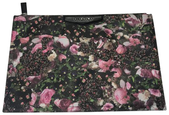 Preload https://img-static.tradesy.com/item/26197047/givenchy-antigona-floral-flower-print-coated-canvas-clutch-0-1-540-540.jpg