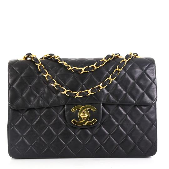 Preload https://img-static.tradesy.com/item/26197131/chanel-classic-flap-vintage-classic-single-quilted-maxi-black-lambskin-leather-shoulder-bag-0-0-540-540.jpg