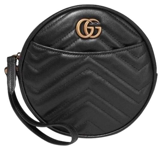 Preload https://img-static.tradesy.com/item/26197416/gucci-marmont-gg-logo-quilted-leather-round-circle-wristlet-pouch-black-clutch-0-1-540-540.jpg