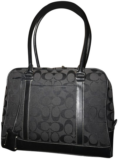 Preload https://img-static.tradesy.com/item/26197733/coach-signature-black-canvas-shoulder-bag-0-1-540-540.jpg