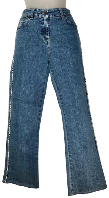 Item - Blue Medium Wash Stretchy Denim Capris/Jeans Flare Leg Jeans Size Petite 8 (M)