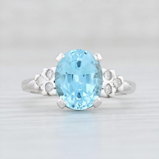 Other 3.64ctw Blue Topaz & Diamond Ring - 10k Size 6 Oval Solitaire Image 1