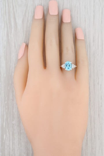 Other 3.64ctw Blue Topaz & Diamond Ring - 10k Size 6 Oval Solitaire Image 6