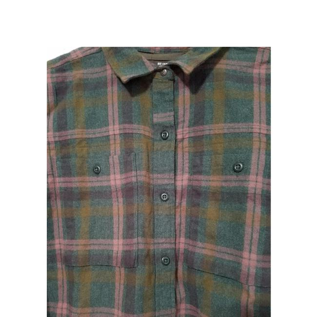REI Button Down Shirt Green Image 5