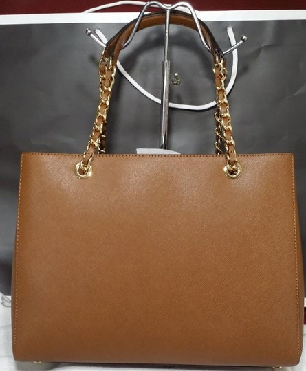Michael Kors Susannah Shoulder Saffiano Leather Tote in brown Image 9