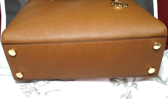 Michael Kors Susannah Shoulder Saffiano Leather Tote in brown Image 2