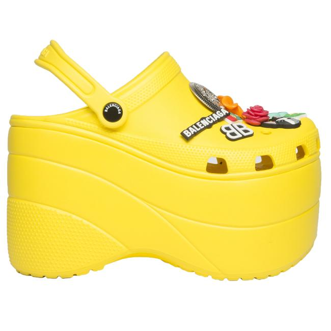 Item - Yellow Charms Embellished Resin Wedge Clogs Sandals Size US 9 Regular (M, B)