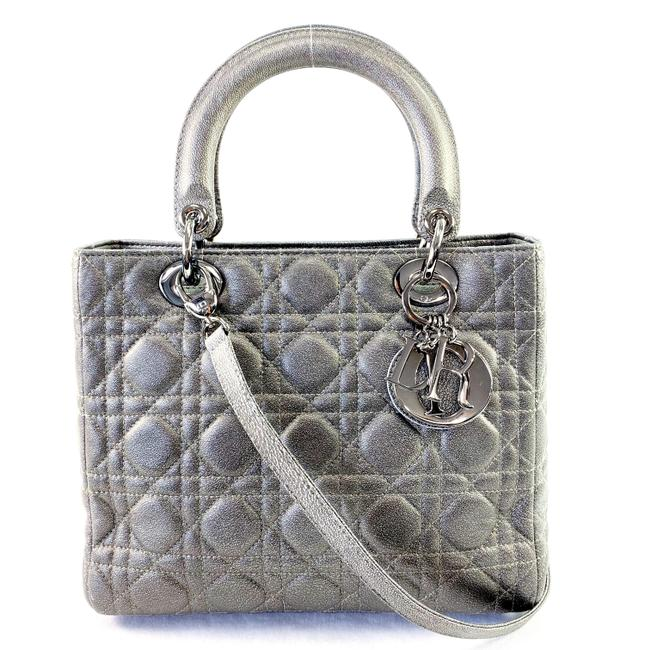 Item - Lady 2018 Sheen Quilted Metallic Silver Cannage Leather Cross Body Bag