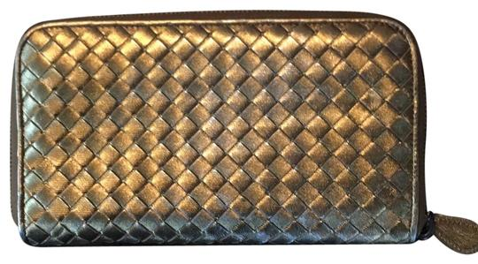 Preload https://img-static.tradesy.com/item/26206903/bottega-veneta-bronze-wallet-0-1-540-540.jpg