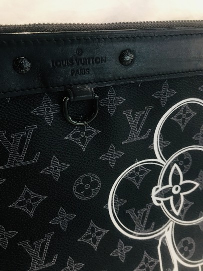 Louis Vuitton black Clutch Image 5