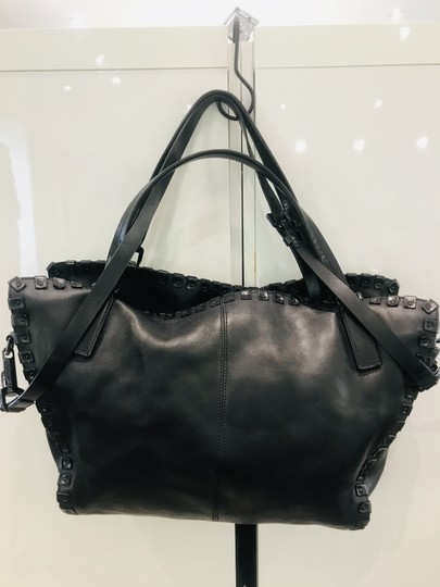 Burberry Tote in black Image 5