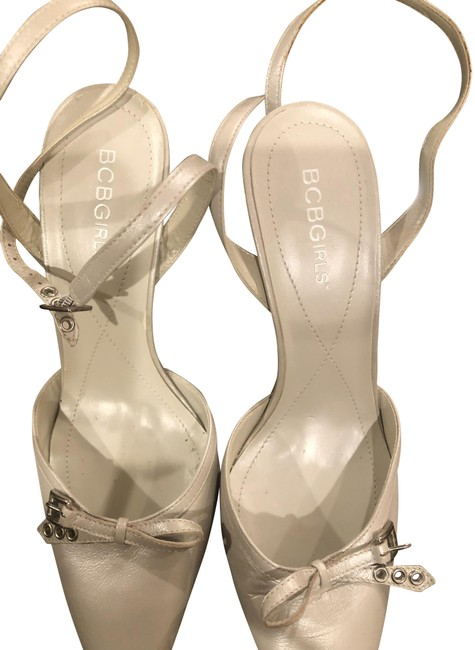 Item - Silver Girls Pumps Size US 7 Regular (M, B)