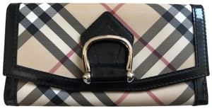 Burberry GUC Burberry vintage supernova check bucket wallet