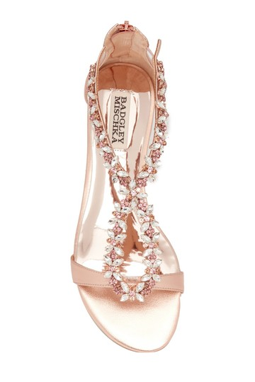Preload https://img-static.tradesy.com/item/26214161/badgley-mischka-rose-gold-haynes-sandals-size-us-8-regular-m-b-0-0-540-540.jpg