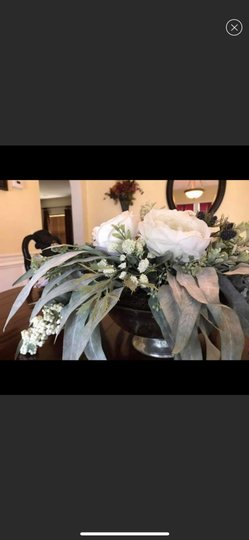 Silver and White Centerpiece Image 4