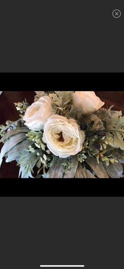 Silver and White Centerpiece Image 5