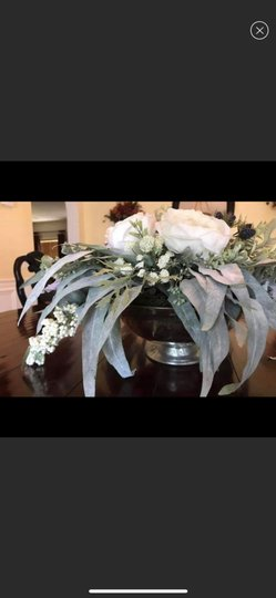 Silver and White Centerpiece Image 6