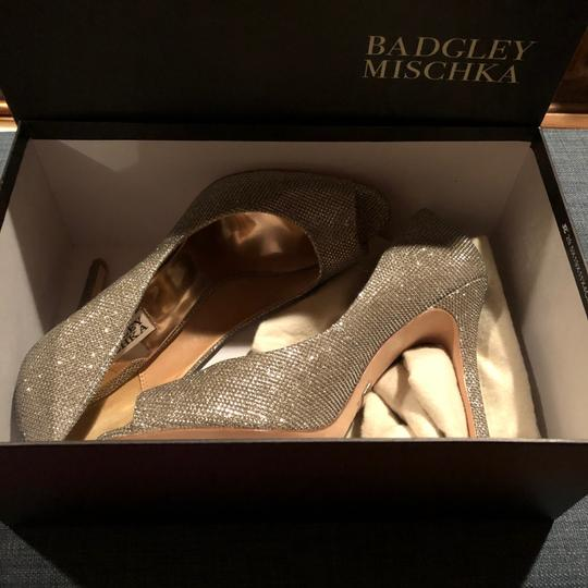 Badgley Mischka Gold/Silver (Platino) Platforms Image 2
