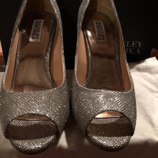 Badgley Mischka Gold/Silver (Platino) Platforms Image 5