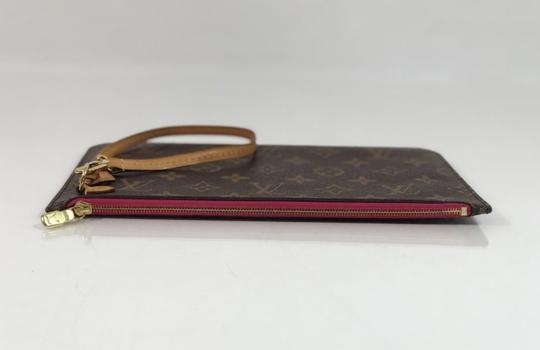 Louis Vuitton Lv Neverfull Neverfull Mm Monogram Pouch Wristlet in Brown Image 4