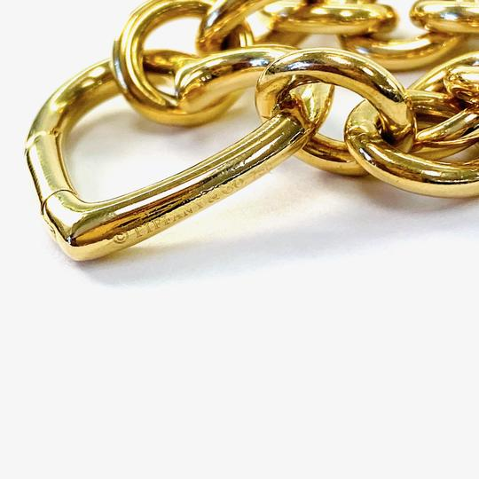 Tiffany & Co. Clasping Heart Charm 18K yellow gold link bracelet Image 2