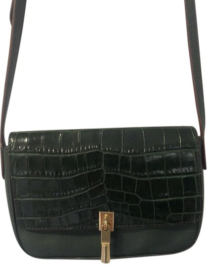 Preload https://img-static.tradesy.com/item/26224587/elizabeth-and-james-flap-cynnie-croc-embossed-and-leather-messenger-bag-0-1-540-540.jpg