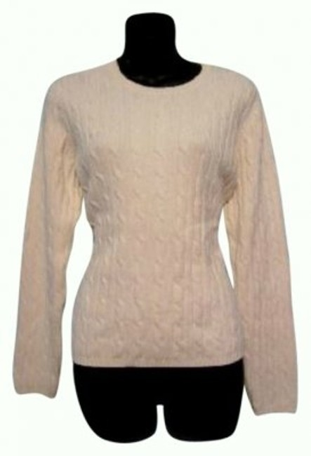 Preload https://img-static.tradesy.com/item/26225/st-john-cream-cable-knit-sweaterpullover-size-12-l-0-0-650-650.jpg