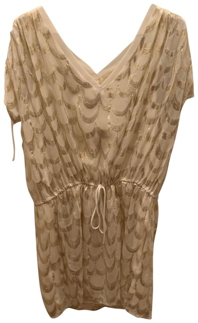 Item - White and Gold None Mid-length Night Out Dress Size 12 (L)