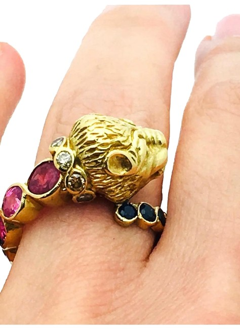 18k Yellow 8.1g Gold Lion with Diamond Blue & Pink Sapphire Sz5.5 #4 Ring 18k Yellow 8.1g Gold Lion with Diamond Blue & Pink Sapphire Sz5.5 #4 Ring Image 1