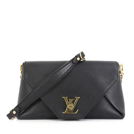 Preload https://img-static.tradesy.com/item/26229406/louis-vuitton-love-note-chain-black-leather-clutch-0-0-540-540.jpg