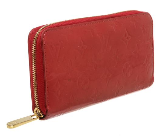 Louis Vuitton Louis Vuitton Pomme D'Amour Vernis Monogram Zippy Wallet Image 1