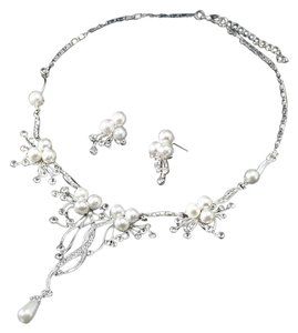 Other Pearl & Crystal Flower Statement Necklace