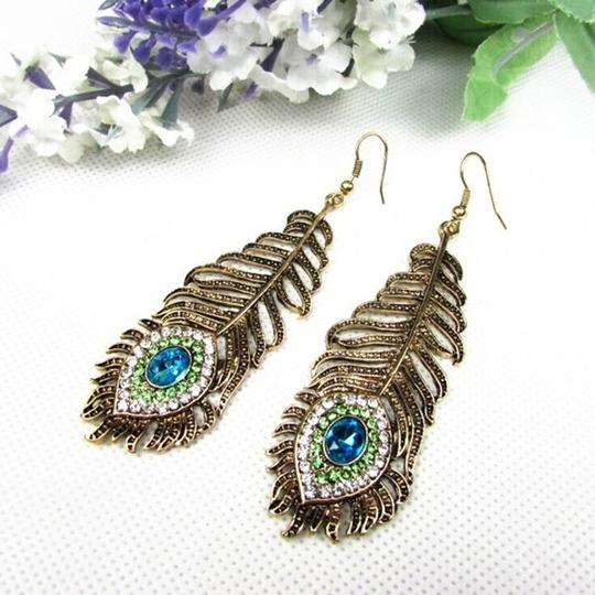 Other Vintage inspired Peacock Feather Earrings Image 1