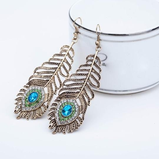 Other Vintage inspired Peacock Feather Earrings Image 2