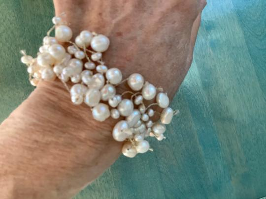 Independent Freshwater White Pearl Stretch Bracelet Image 1