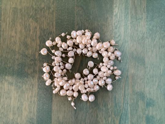 Independent Freshwater White Pearl Stretch Bracelet Image 2