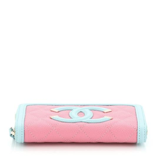 Chanel Wristlet in pink Image 3