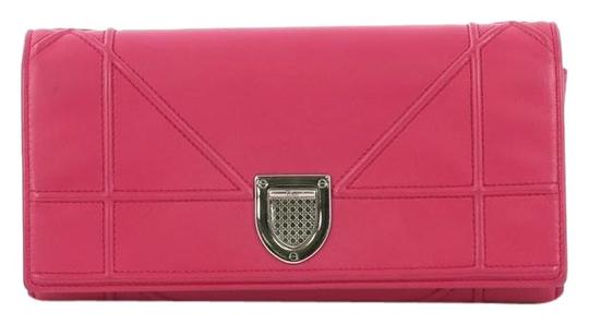 Preload https://img-static.tradesy.com/item/26230092/dior-diorama-croisiere-chain-wallet-lambskin-pink-leather-clutch-0-1-540-540.jpg