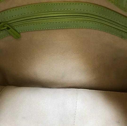 MICHAEL Michael Kors Tote in Lime Green Image 4