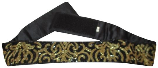 Preload https://img-static.tradesy.com/item/26230170/talbots-black-and-gold-vintage-beaded-velcro-belt-0-1-540-540.jpg