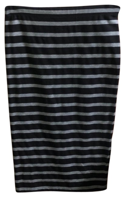 Preload https://img-static.tradesy.com/item/26230212/express-striped-skirt-size-4-s-27-0-1-650-650.jpg